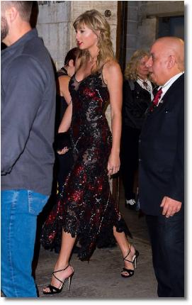 Taylor Swift attends boyfriend's movie premiere (29 Sept 2018)